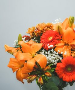 detalle de flores ramo anaranjado