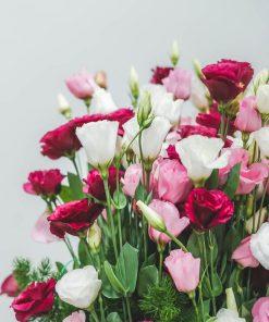 Detalle de las flores de la caja de lisianthus